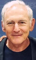 Victor Garber Biodata