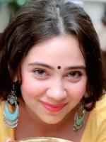 Zaara Khan Biography