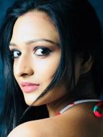 Aishwarya Khare Wiki