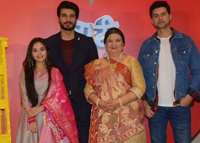 Naati Pinky Ki Lambi Love Story Cast & Crew, Characters